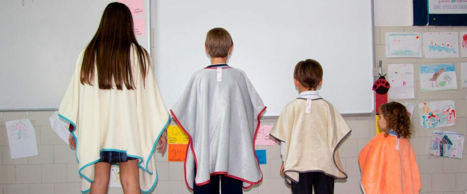 La empresa valenciana Textiles Mora crea la Manta Escola para contrarrestar el frío en las aulas provocado por la ventilación anti-COVID-19