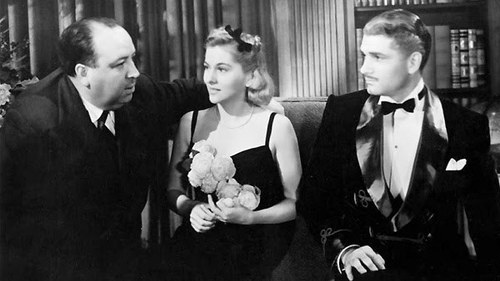 Alfred Hitchcock junto a Joan Fontaine y Laurence Oliver.