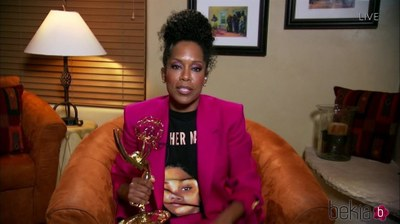 Regina King tras ganar su cuarto Emmy por Watchmen. Foto: Los 40