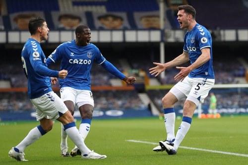 Celebración gol de Keane