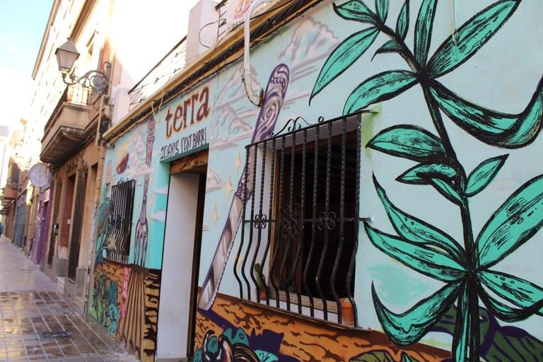 Pintures de la fatxada del Terra CSB. JÚLIA COSTA MARTÍNEZ