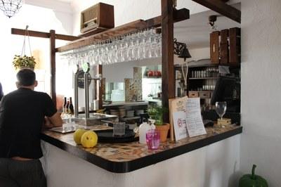 Interior de l'Ambra Poble-Bar. JÚLIA COSTA MARTÍNEZ