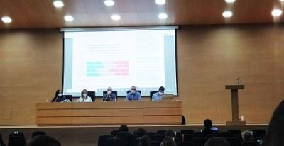 Primera mesa redonda del Congreso de Comunicación Digital en la facultad de Filología, Traducción y Comunicación de la UV. Foto: Irene Tortosa.